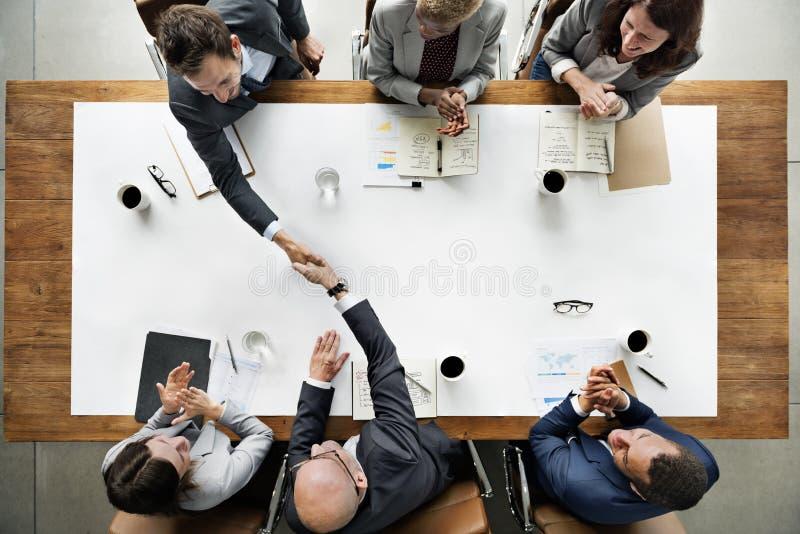 Affär Team Meetng Handshake Applaud Concept royaltyfria bilder