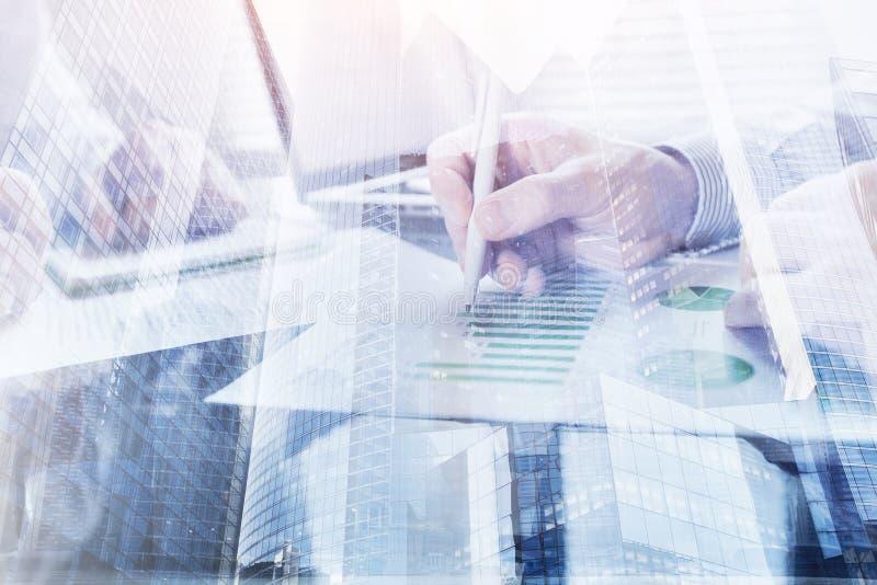 Affärsövervakning och analytics royaltyfria foton
