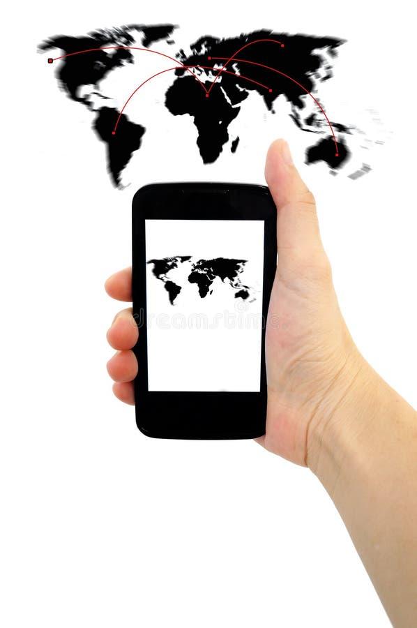 Affärs-, teknologi-, internet- och nätverkandebegrepp - kvinnahand med smartphonen och den faktiska skärmen royaltyfria foton