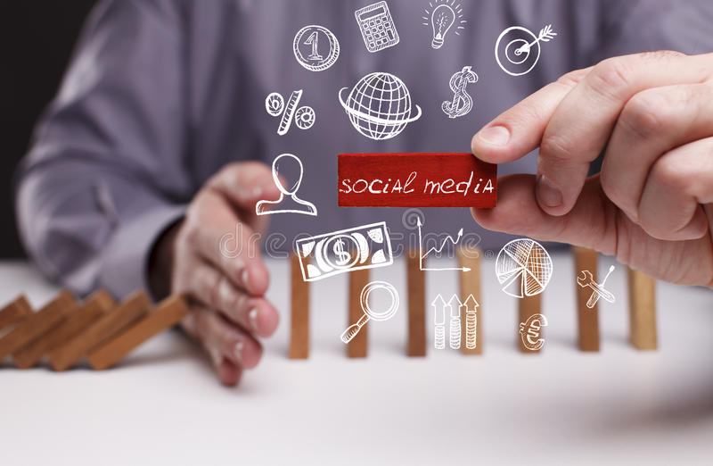 Affärs-, teknologi-, internet- och nätverksbegrepp Ung busine royaltyfri fotografi