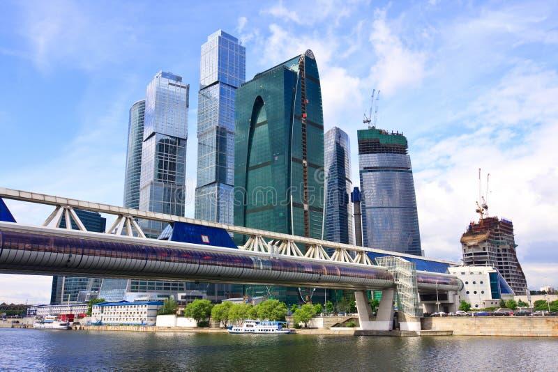 affärscentrumstadsmoscow russia skyskrapor arkivfoton