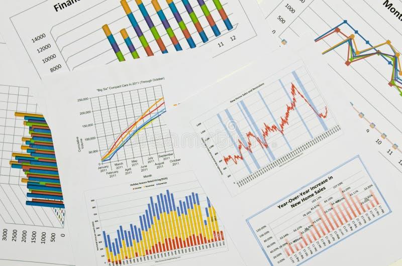 Affärsdiagram och grafer royaltyfria bilder