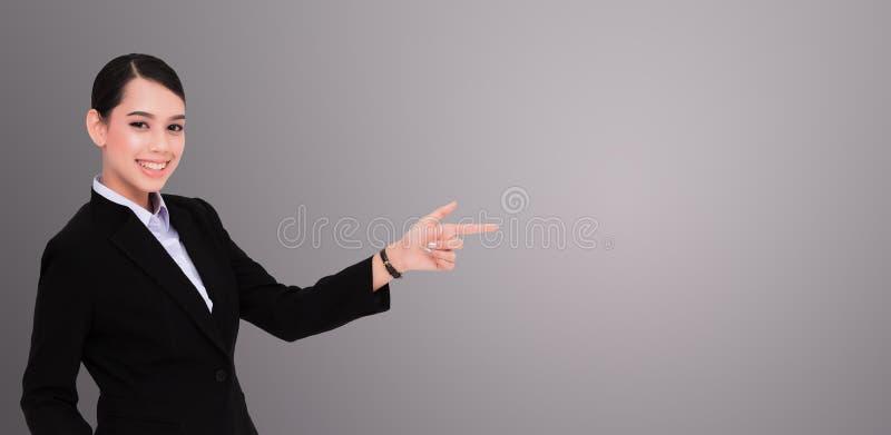 affärsfinger henne som pekar kvinnan royaltyfri bild