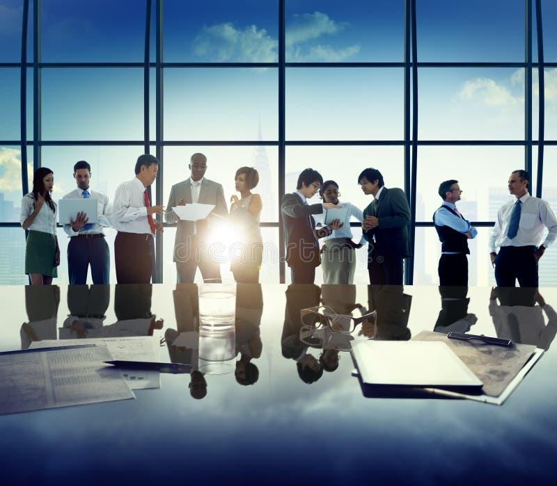 Affärsfolk företags Team Discussion Office Concept arkivfoto