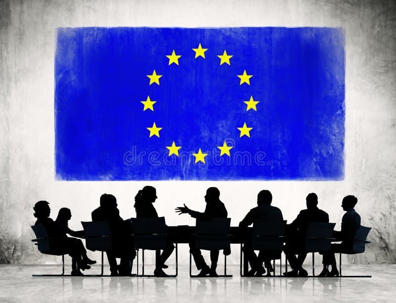 Affärsfolk med den europeiska fackliga flaggan vektor illustrationer