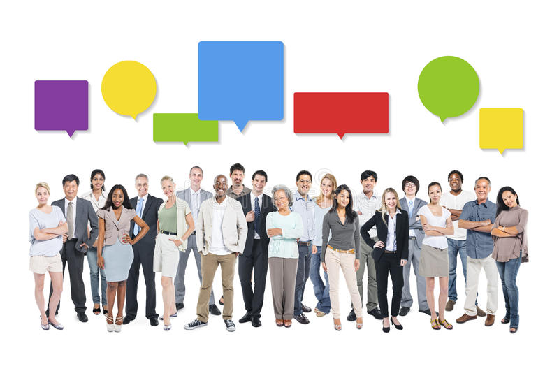 Affärsfolk med färgrika anförandebubblor royaltyfri bild