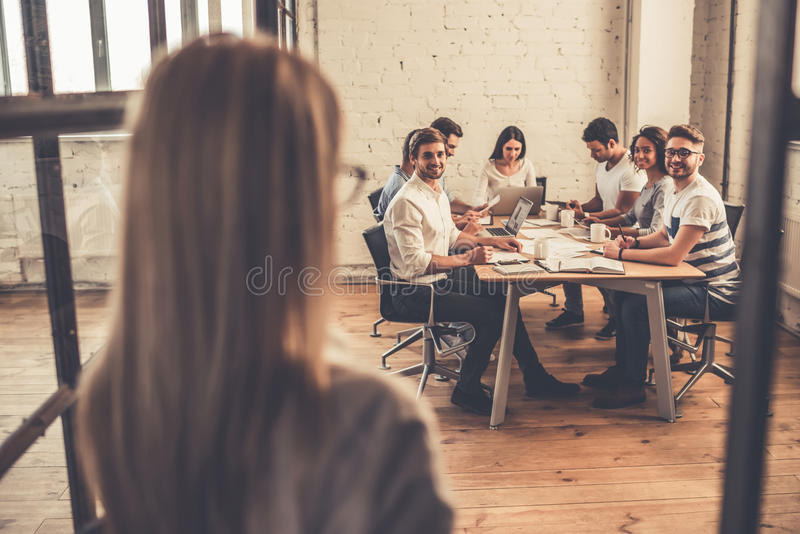 Affärsfolk på konferensen arkivfoto