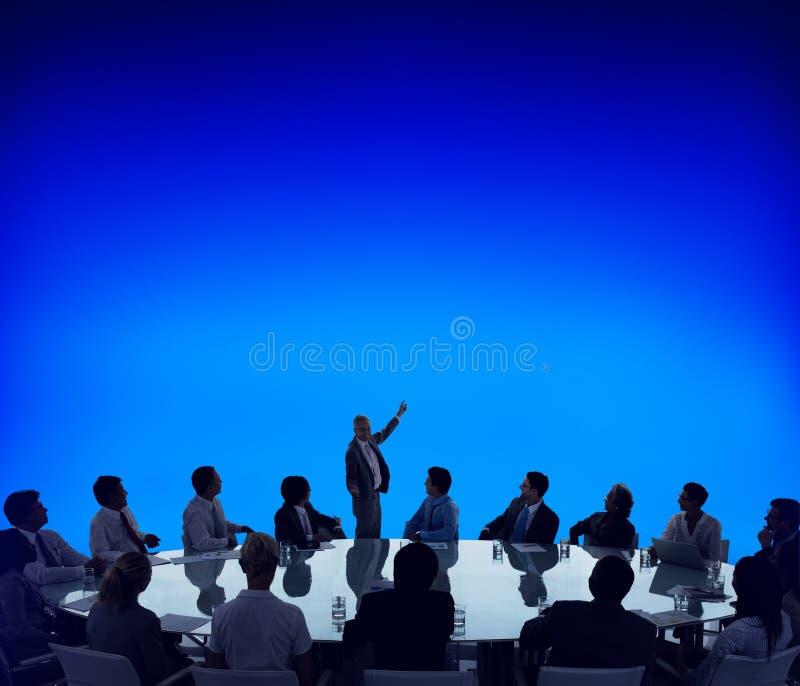 Affärsfolk som möter begrepp för presentation för konferenshögtalare arkivbilder