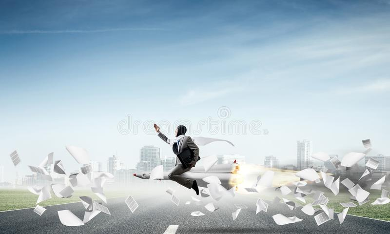 Affärsframgång och målprestationbegrepp royaltyfri bild