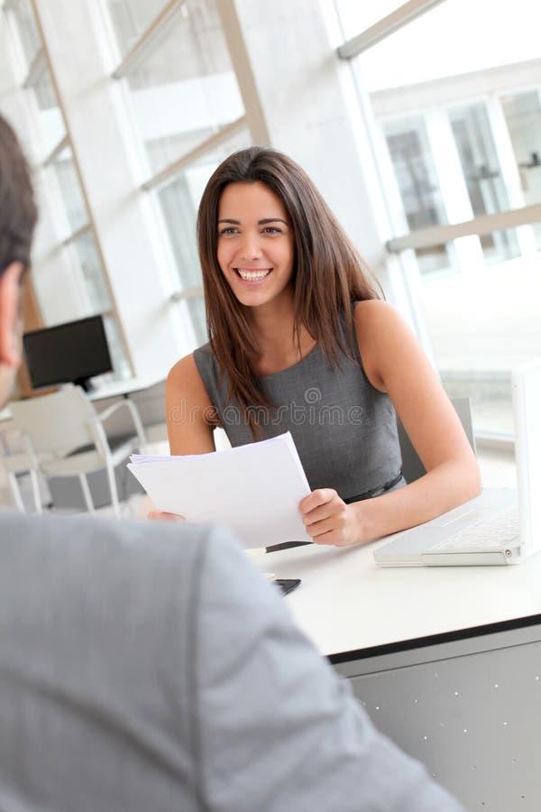 Affärsintervju arkivbild