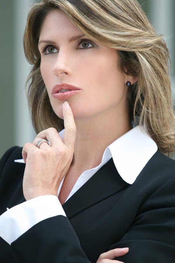 affärskriskvinna som worring royaltyfri fotografi