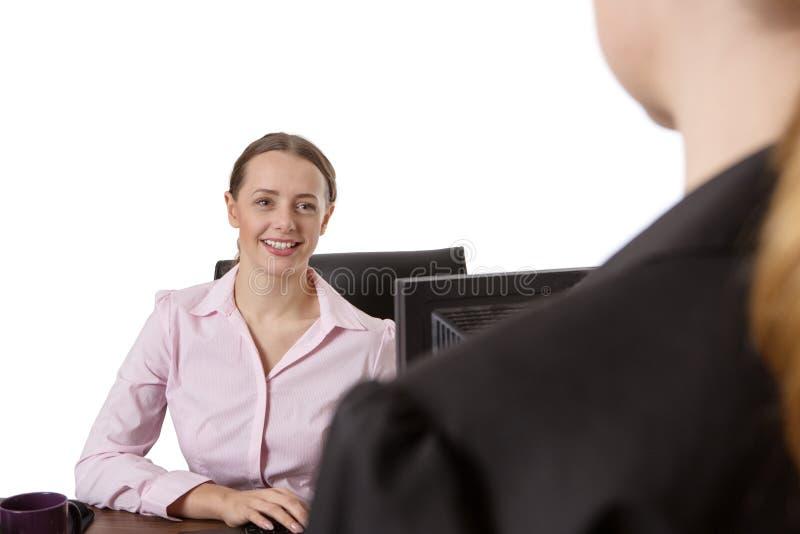 Affärskvinna Interviewing Candidate fotografering för bildbyråer