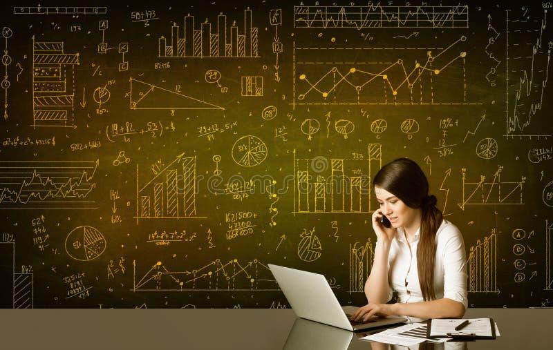 Affärskvinna med diagrambakgrund arkivbild