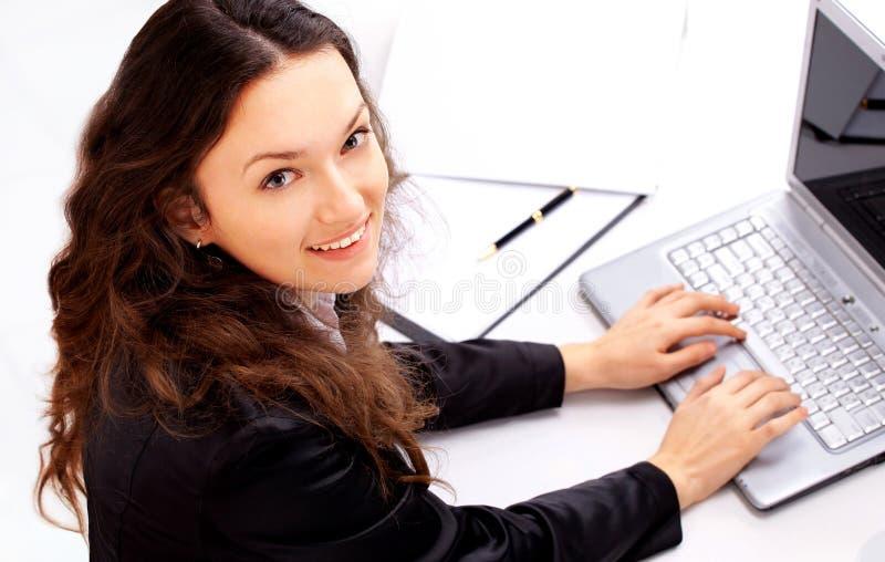 affärskvinna på det moderna kontoret arkivfoton