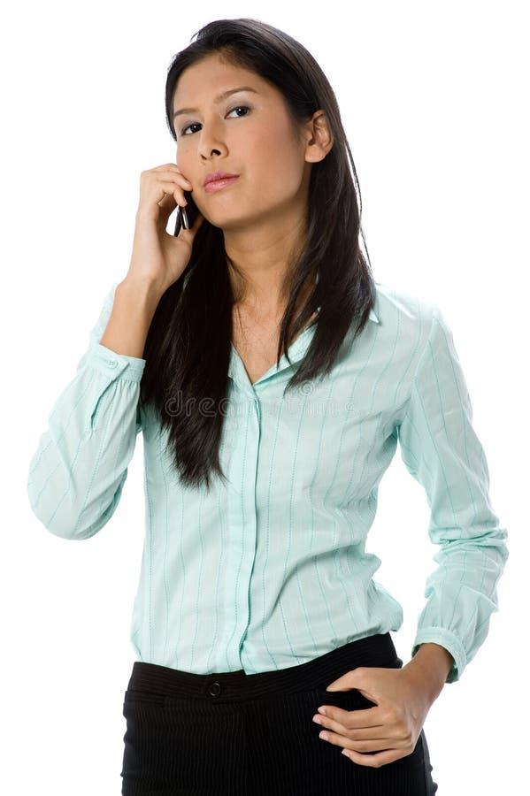 Affärskvinna på telefonen royaltyfri foto