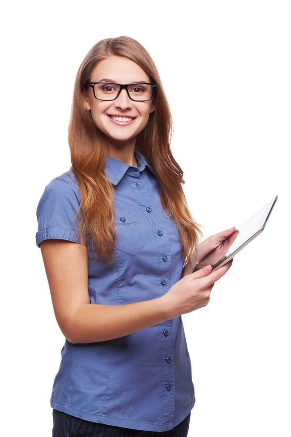 Affärskvinna som använder digital minnestavladatorPC royaltyfria foton