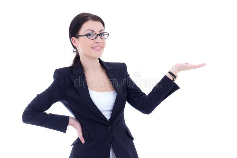 Affärskvinna som framlägger en copyspace som isoleras på vit arkivfoton