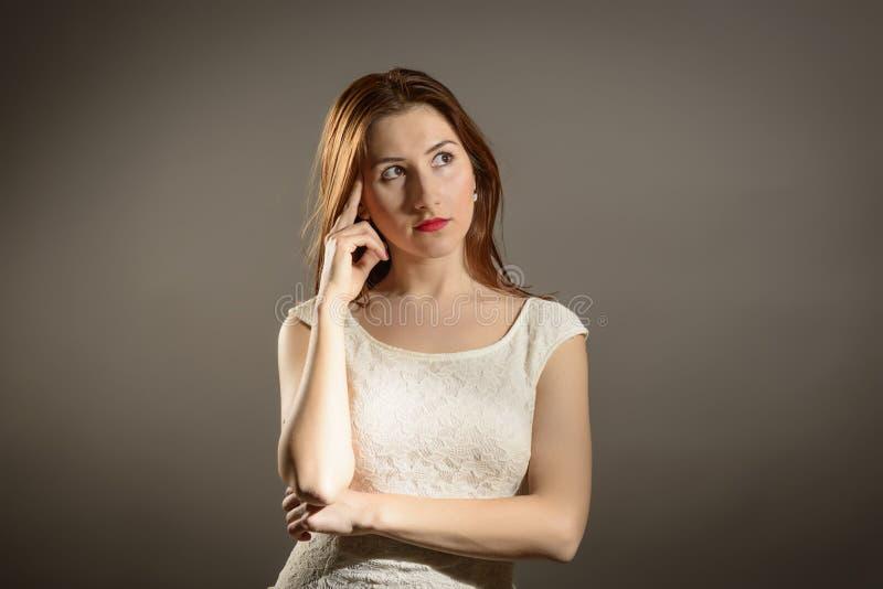 Affärskvinna under tryck arkivfoton