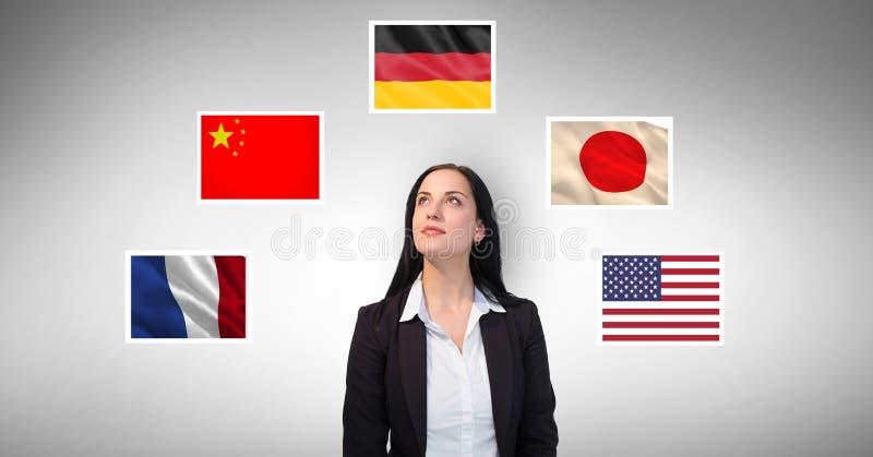 Affärskvinnaanseende vid flaggor mot grå bakgrund vektor illustrationer