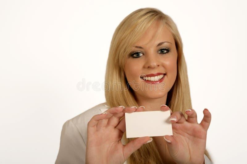 affärskvinnakortet hands holdingkvinnan arkivfoto