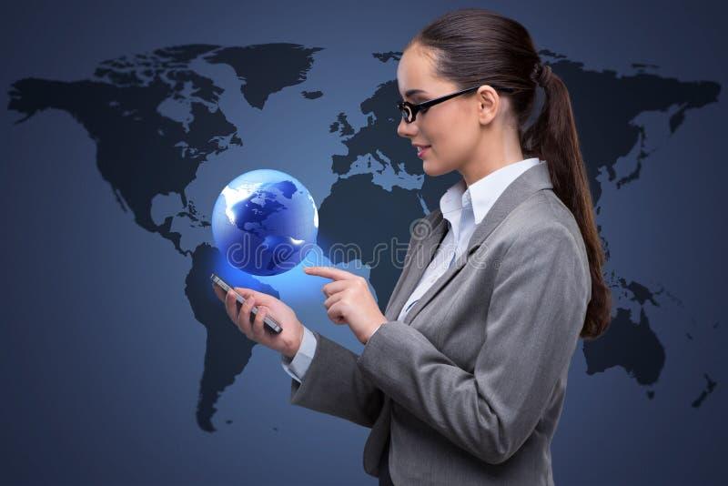 Affärskvinnan med telefonen i global affärsidé stock illustrationer