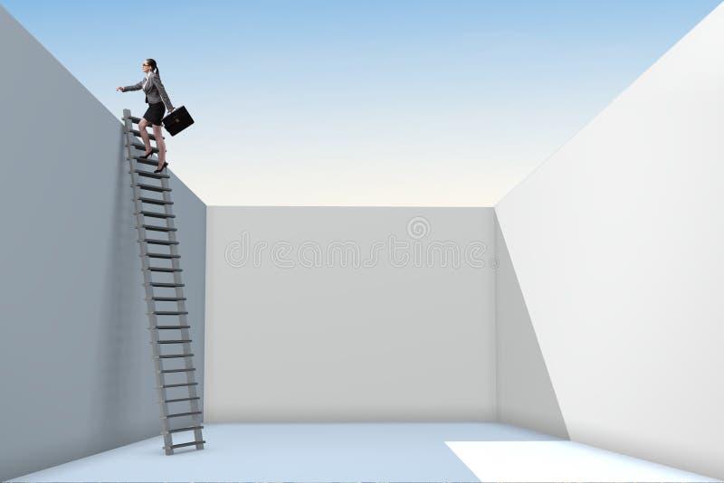 Affärskvinnan som klättrar en stege för att fly från problem arkivbilder