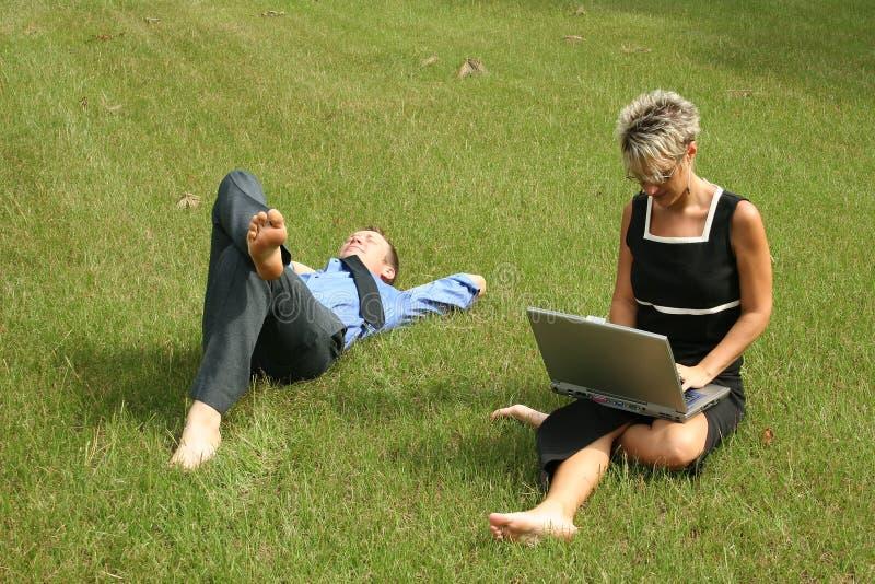 Download Affärslag arkivfoto. Bild av män, partnerskap, folk, sova - 993020