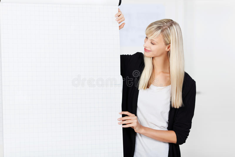 Affärslagledare som ger sig i husutbildning arkivfoto