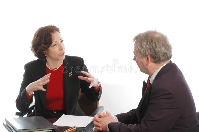 affärsledare som möter pensionären royaltyfri foto