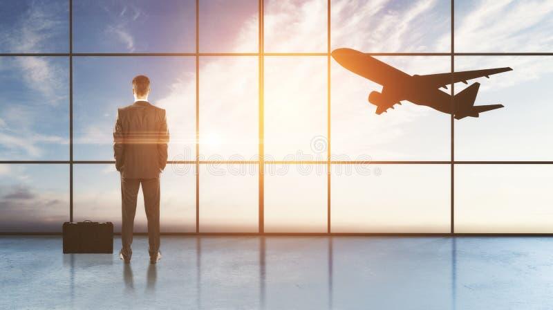 Affärsman i flygplatsen arkivfoton