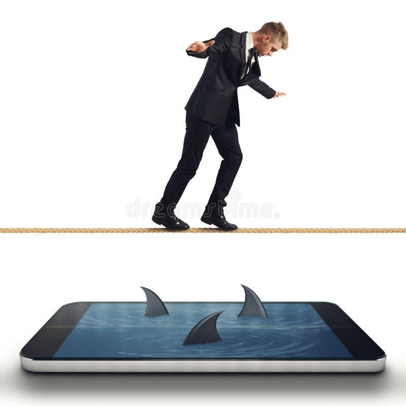 Affärsman i problem med hans smartphone royaltyfri foto