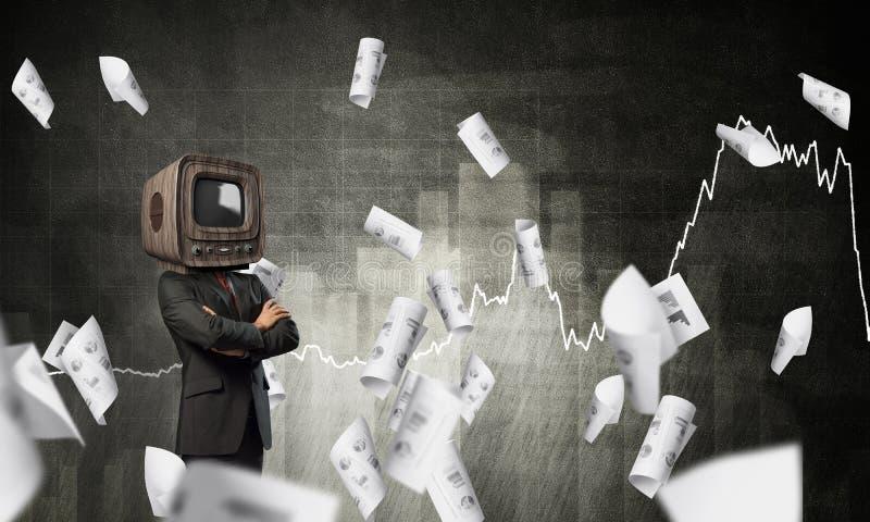 Affärsman med gammal TV i stället för huvudet arkivbilder