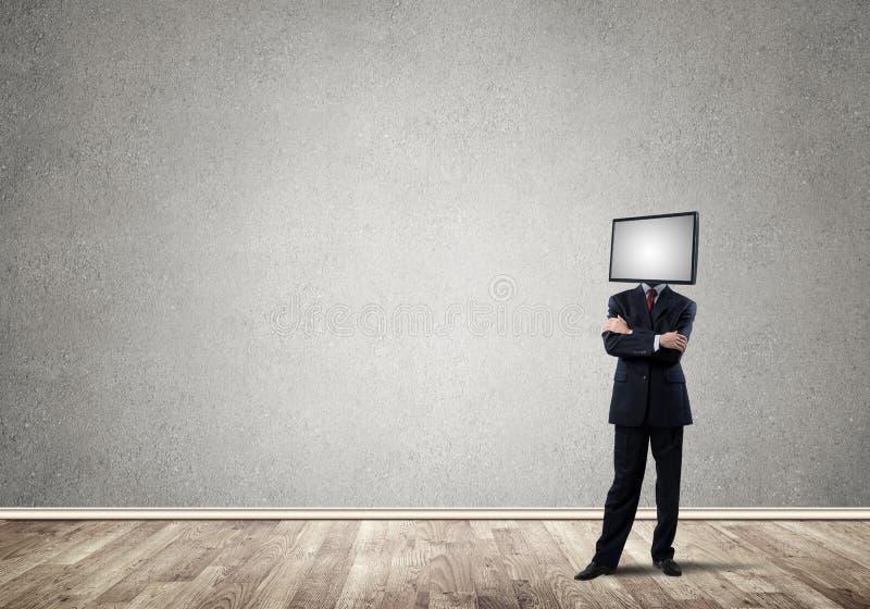 Affärsman med TV i stället för huvudet arkivfoton