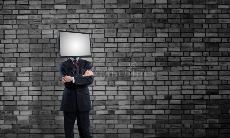 Affärsman med TV i stället för huvudet royaltyfria foton