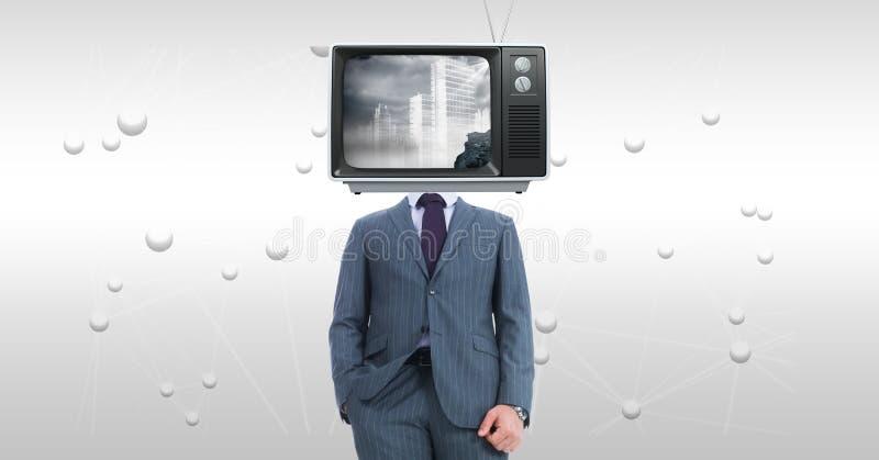 Affärsman med TV på framsidaanseende mot abstrakt bakgrund royaltyfri bild