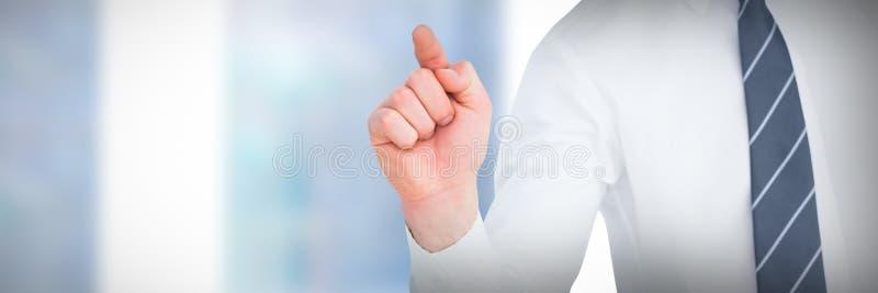 Affärsman som pekar med hans finger mot närbild av fönstret arkivbilder