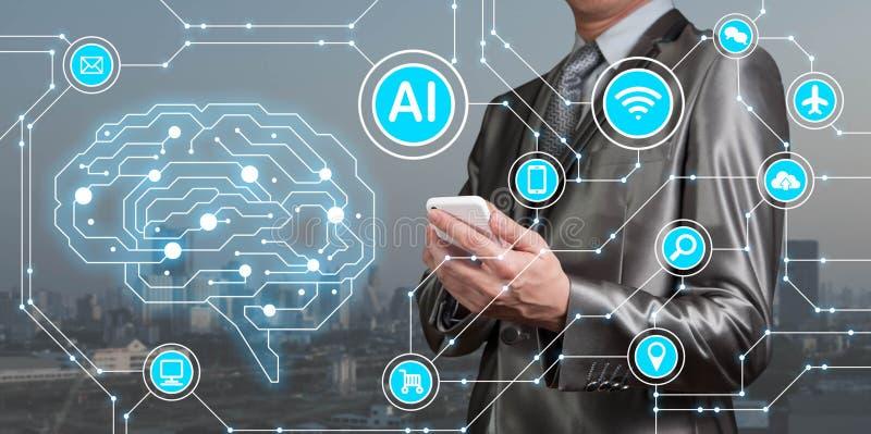 Affärsmanbrukssmartphone med AI-symboler samman med technolog