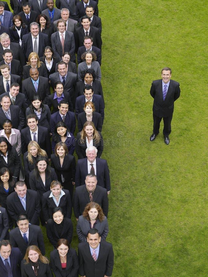AffärsmanBy Group Of ledare i rad royaltyfri fotografi