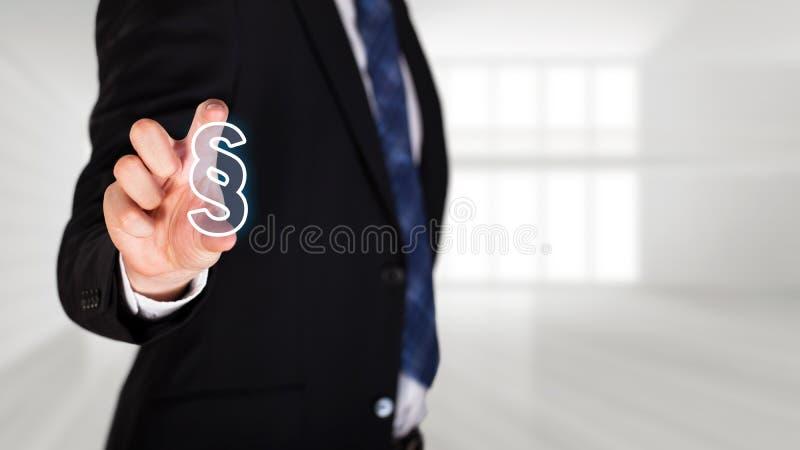 Affärsmannen väljer en avsnittartikel royaltyfri bild