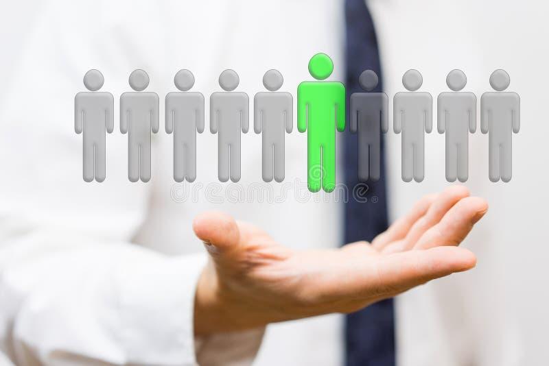 Affärsmannen visar val av den bästa personalen, anställningconcep royaltyfri foto