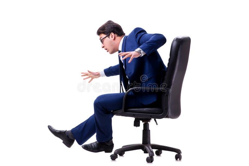 Affärsmansammanträdet på kontorsstol som isoleras på vit arkivfoton