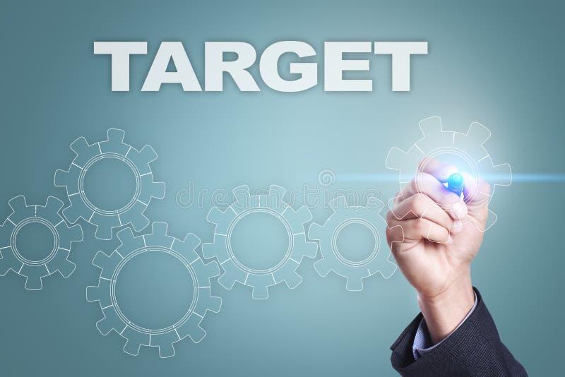 Affärsmanteckning på den faktiska skärmen var målet för begreppet för den center cirkeln valda det folk arkivfoton