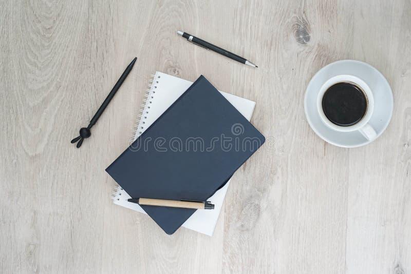 Affärsskrivbord - plant orienteringskontor arkivfoton