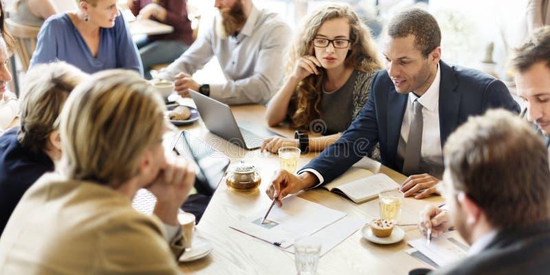 AffärsTeam Meeting Strategy Marketing Cafe begrepp royaltyfri bild