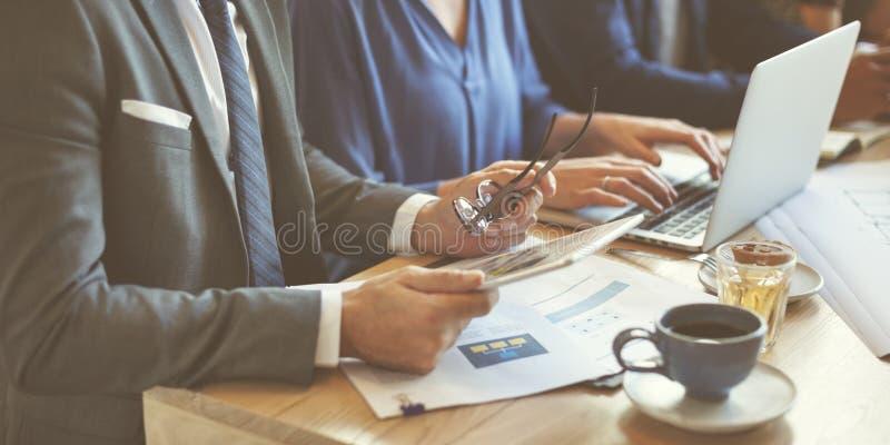 AffärsTeam Meeting Strategy Marketing Cafe begrepp arkivfoton
