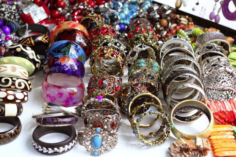 Affaire de système d'étalage de bijou de bracelets photo libre de droits