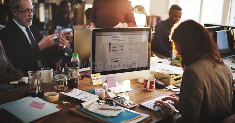 Affaires lançant Team Discussion Planning Concept sur le marché image stock