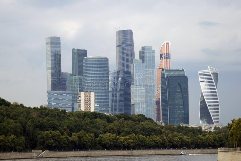Affare della città di Mosca e centro degli appartamenti immagine stock