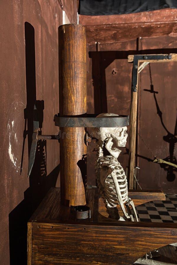 Affichage d'exemple au musée de torture et d'enquête images libres de droits