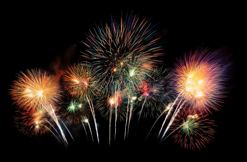 Affichage international de festival de feux d'artifice la nuit Variété de feux d'artifice colorés dans la célébration de vacances images stock